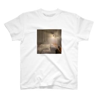 お布団の世界 T-shirts