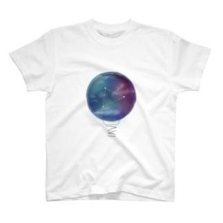 星空 宇宙 夏の大三角形  T-shirts