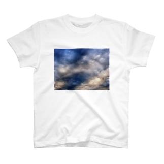 荒れる空 DATA_P_143 sky T-shirts