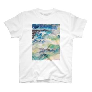 peonicの山に雨 T-shirts