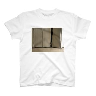 こむ T-shirts