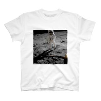 アポロ11号月面着陸 T-shirts