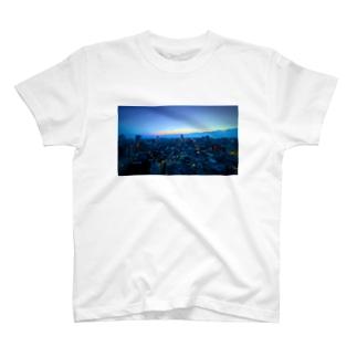 黎明 T-shirts