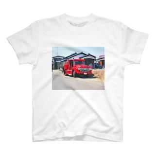 日本の特殊車両:消防車 Japanese fire engine in Showa period T-shirts