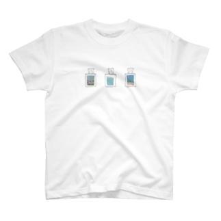 海の香水瓶 T-shirts