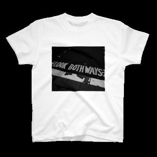 OTOFUのLOOK BOTHWAYS T-shirts