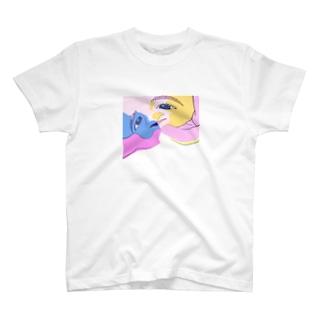 ラブアーサー T-shirts