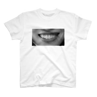 左口角T T-shirts