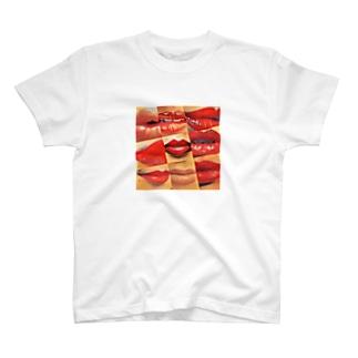 Boom フェロモン T-shirts