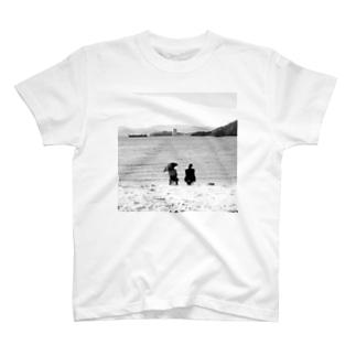 共に T-shirts