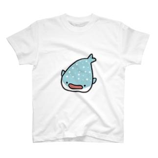 お口を開けたジンベイザメさん T-shirts