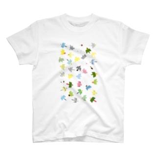 """乱れ飛び!トブトリ""""tobutori""""鳥さん Tシャツ T-shirts"""