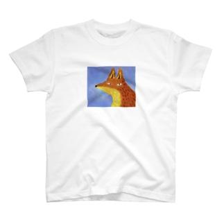 春のキツネ T-shirts