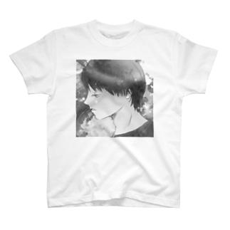 横顔と薔薇 モノクロ T-shirts