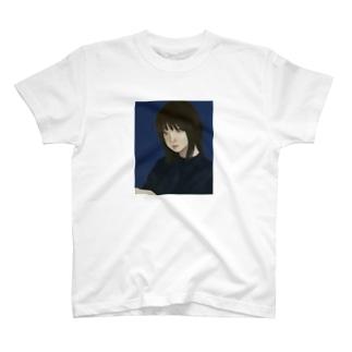 内斜視 T-shirts