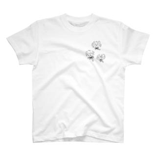 トイプードル三匹 T-shirts