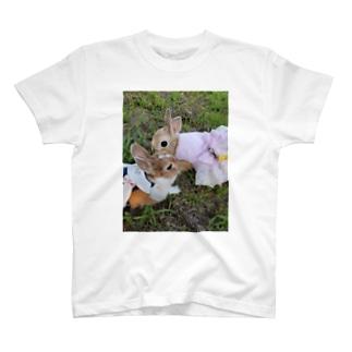 うさぎ姉妹 T-shirts