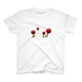 毒を持っていそうで、もっていない、本当かどうかは怪しいきのこ。 T-Shirt