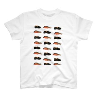鮭とローファー T-shirts