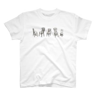 椅子とクマ T-shirts