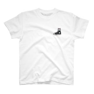 ドット絵猫スニーカー T-shirts