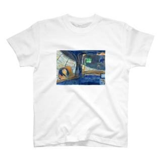 帰りの高速道路 T-shirts