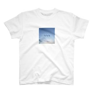 魚泳ぎ T-shirts