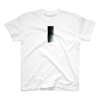 おっちーむしゃむしゃ地球の71%は海の面積だ編 T-shirts