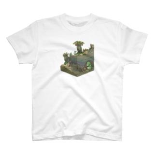 太り過ぎて出れなくなった怪獣T T-shirts