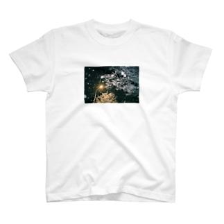 大雪の日 T-shirts