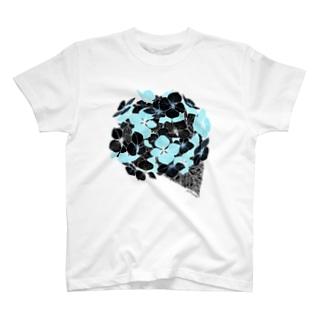 夜舟の黒紫陽花 T-shirts