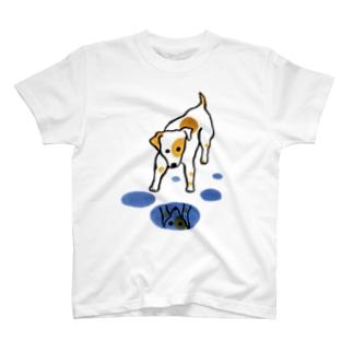 水たまりと犬さん T-shirts