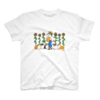 ひまわり畑とコーギー T-shirts
