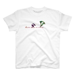 ルシファーは夢の中で笑う 両面 T-shirts