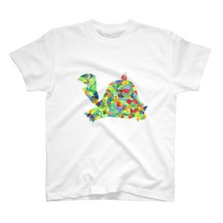 りんごを運ぶ亀 T-shirts