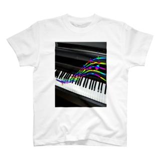アニネタ4月は君の 7色シンフォニー T-shirts