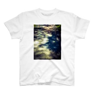 ある夏の日  〜影〜 T-shirts