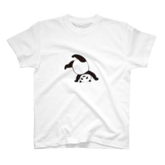 逆立ちパンダ T-shirts