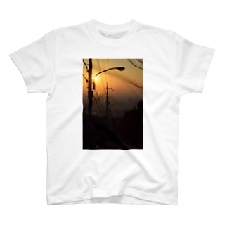 朝焼けの西宮 T-shirts