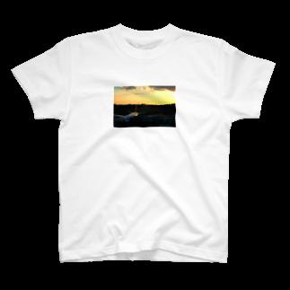 ユキ@初期不良の伊丹の夕焼け T-shirts