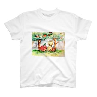 いのししとリンゴ T-shirts