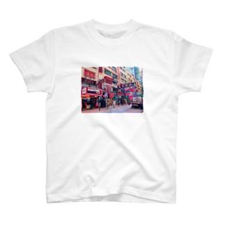 中国の繁華街 T-shirts