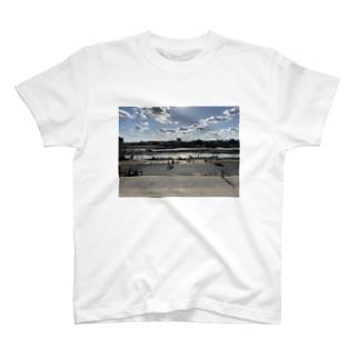 そこは多摩川 T-shirts