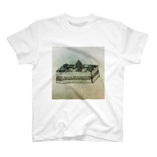yukina0123のケーキ T-shirts