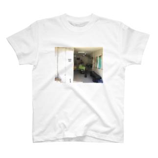さとみこんこんのお店のバーバーTシャツ2 T-shirts