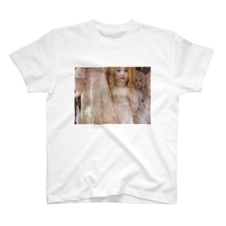 人形棚 T-shirts