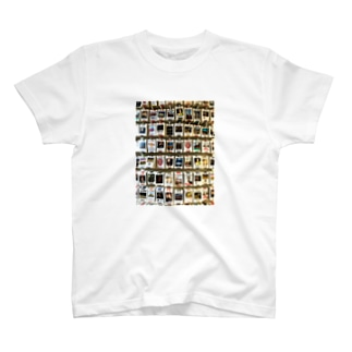旅先pics📸のロンドンのユースホステルの壁 T-shirts