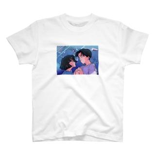 彼とあの子は両想い T-shirts