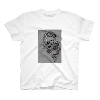 サングラスの女性 2 T-shirts