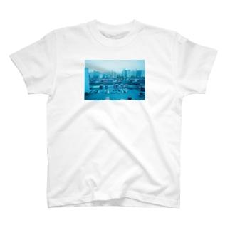 コンテナの或る街 T-shirts